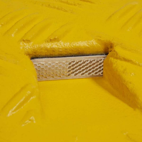 Speed bump reflectors - yellow section